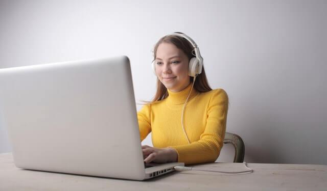 מורה לפיתוח קול אונליין