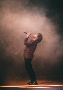 פשוט לשיר יפה